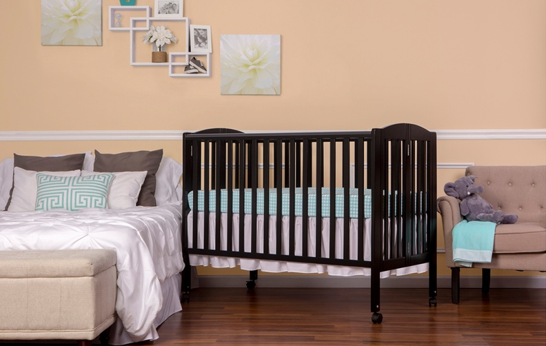 673_K-Black Folding Full Size Crib_RS_Side.jpg
