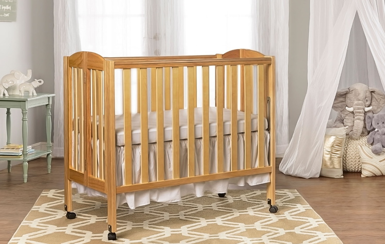 683_N_Natural_3_in_1_Folding_Portable_Crib_RS.jpg