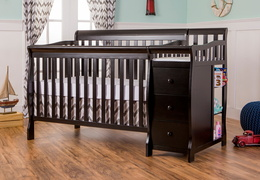 Brody 5 in 1 Convertible Crib with Changer
