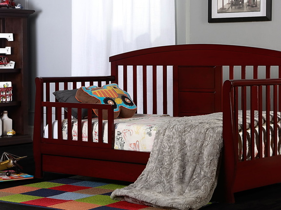 Cherry Deluxe Toddler Bed Roomshot