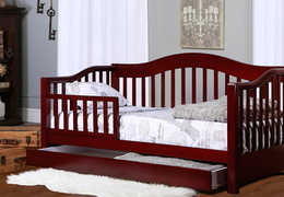 Cherry Toddler Day Bed Roomshot