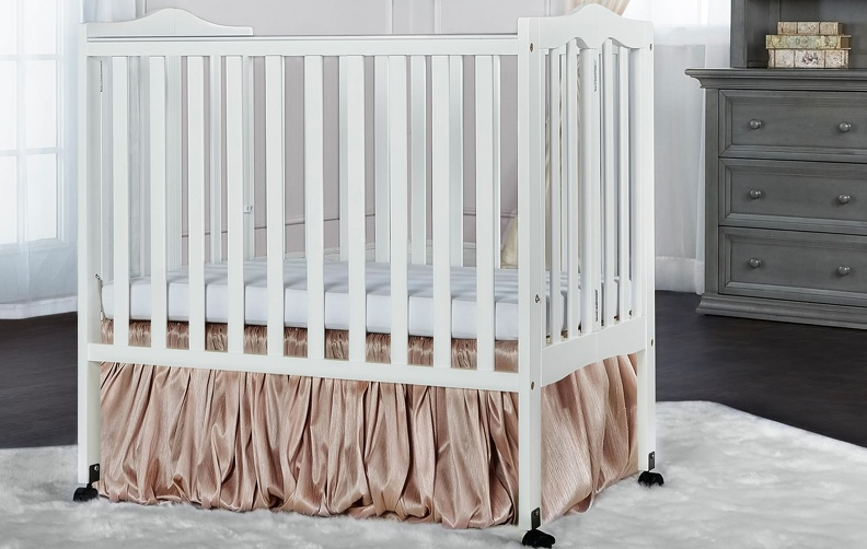681_W_White_2-in-1_Lightweight_Folding_Portable_Crib_RS.jpg