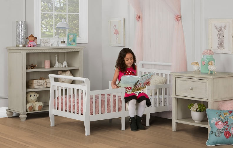 649_W_White_Emma_Toddler_Bed_RS2.jpg