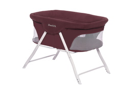 Traveler Portable Bassinet 01