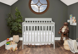 628-G Aden 4 in 1 Convertible Mini Crib Room Shot