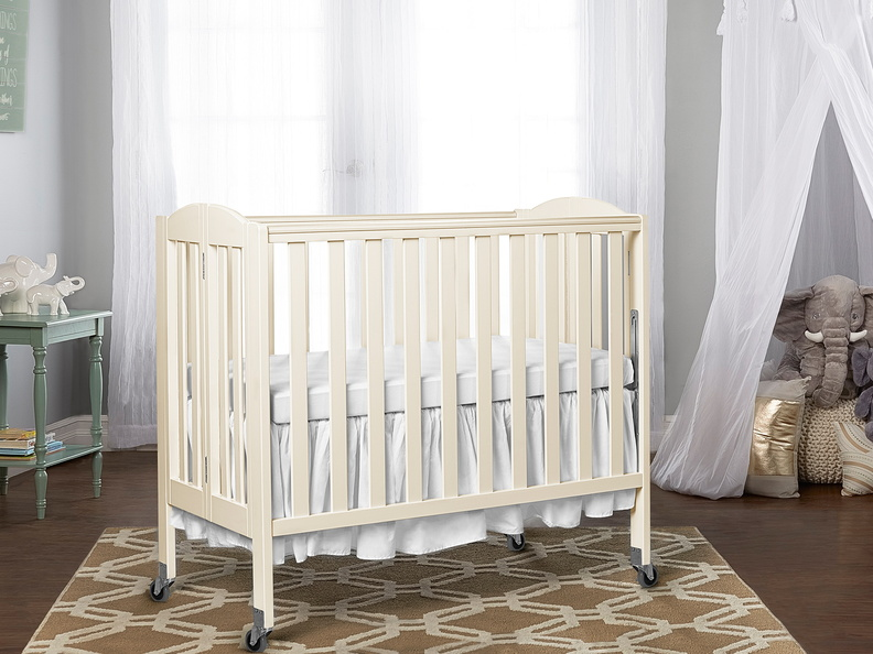 French White 3 in 1 Folding Portable Crib RmScene