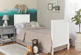 White - Springfield Full Size Bed with footboard