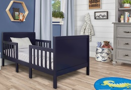 Cool Grey Hudson 3 in 1 Convertible Toddler Bed Roomshot 01