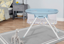 4469-BB Poppy Traveler Portable Bassinet Room Shot
